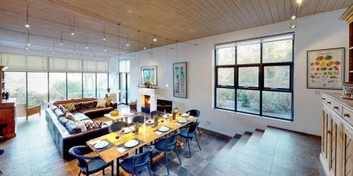 silver-birch-house-dining-area-living-room-2-900x450